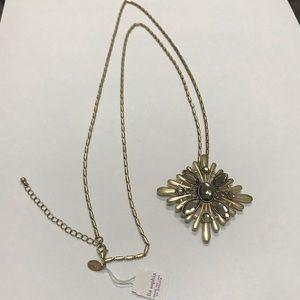 Lia Sophia Gold pendant necklace